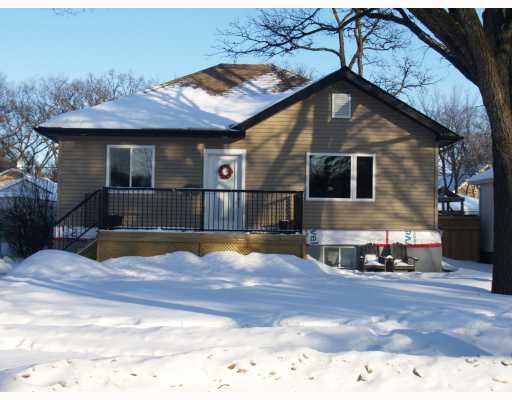 Main Photo: 232 CENTENNIAL Street in WINNIPEG: River Heights / Tuxedo / Linden Woods Residential for sale (South Winnipeg)  : MLS® # 2902291
