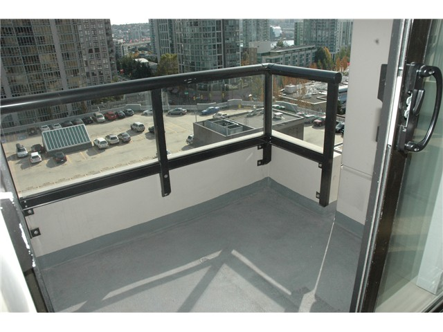 "Photo 6: 1207 977 MAINLAND Street in Vancouver: Downtown VW Condo for sale in ""YALETOWN PARK 3"" (Vancouver West)  : MLS(r) # V855676"
