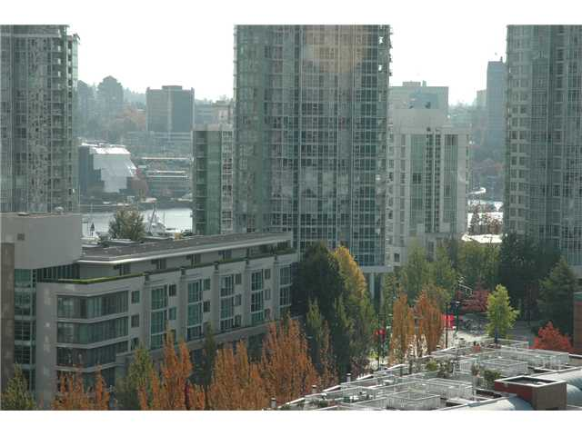"Main Photo: 1207 977 MAINLAND Street in Vancouver: Downtown VW Condo for sale in ""YALETOWN PARK 3"" (Vancouver West)  : MLS® # V855676"