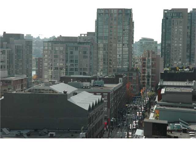 "Photo 8: 1207 977 MAINLAND Street in Vancouver: Downtown VW Condo for sale in ""YALETOWN PARK 3"" (Vancouver West)  : MLS(r) # V855676"