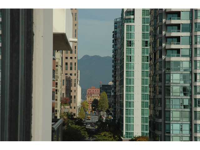 "Photo 9: 1207 977 MAINLAND Street in Vancouver: Downtown VW Condo for sale in ""YALETOWN PARK 3"" (Vancouver West)  : MLS(r) # V855676"