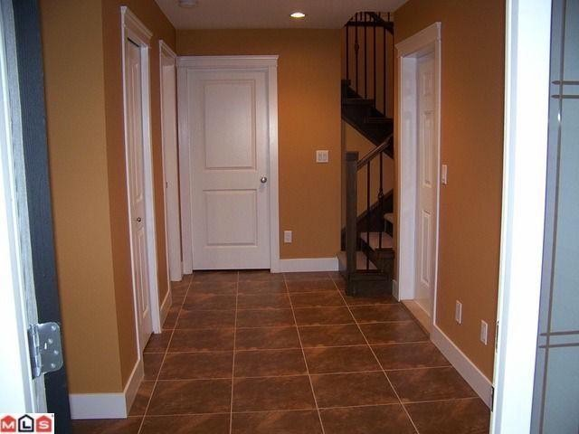 Photo 3: 35737 ZANATTA Place in Abbotsford: Abbotsford East House for sale : MLS® # F1021154