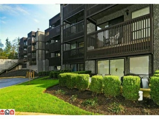 "Main Photo: 102 9682 134TH Street in Surrey: Whalley Condo for sale in ""Parkwoods - Elm"" (North Surrey)  : MLS®# F1101901"
