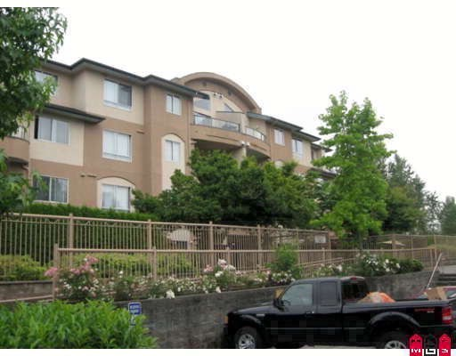 "Main Photo: 102 7475 138TH Street in Surrey: East Newton Condo for sale in ""CARDINALS COURT"" : MLS®# F2901994"