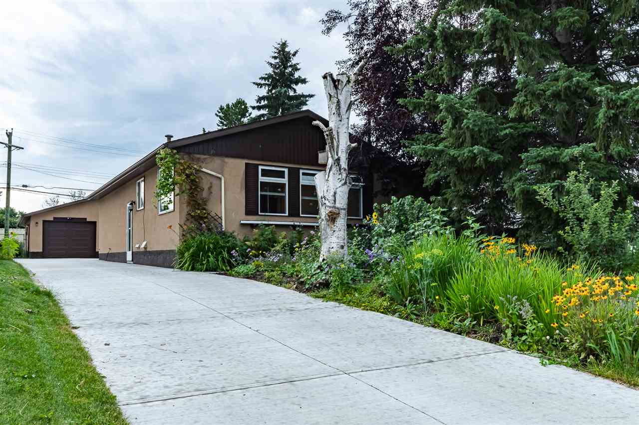 FEATURED LISTING: 20 Dorchester Road Spruce Grove