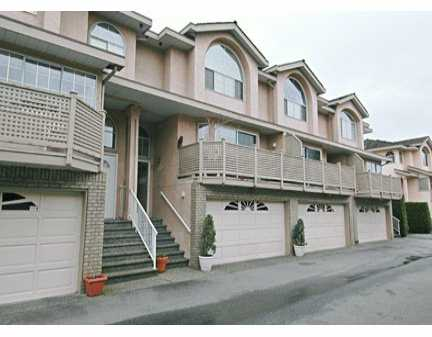 "Main Photo: 34 22488 116TH AV in Maple Ridge: East Central Townhouse for sale in ""RICHMOND HILL"" : MLS® # V580846"
