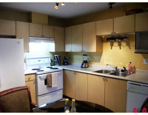 "Photo 2: 215 10186 155TH Street in Surrey: Guildford Condo for sale in ""Somerset"" (North Surrey)  : MLS® # F2833763"