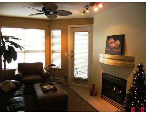 "Photo 4: 215 10186 155TH Street in Surrey: Guildford Condo for sale in ""Somerset"" (North Surrey)  : MLS® # F2833763"