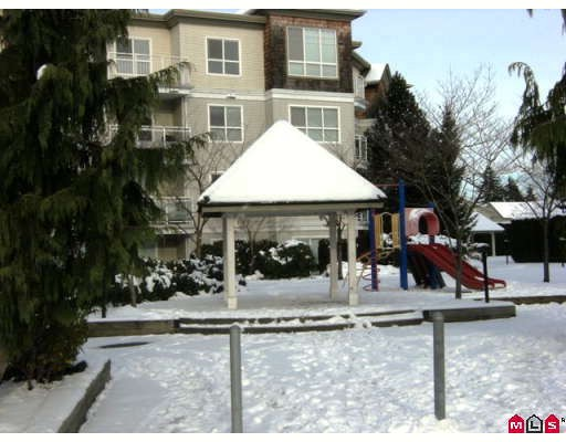 "Photo 7: 215 10186 155TH Street in Surrey: Guildford Condo for sale in ""Somerset"" (North Surrey)  : MLS® # F2833763"