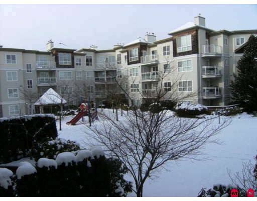 "Photo 8: 215 10186 155TH Street in Surrey: Guildford Condo for sale in ""Somerset"" (North Surrey)  : MLS® # F2833763"