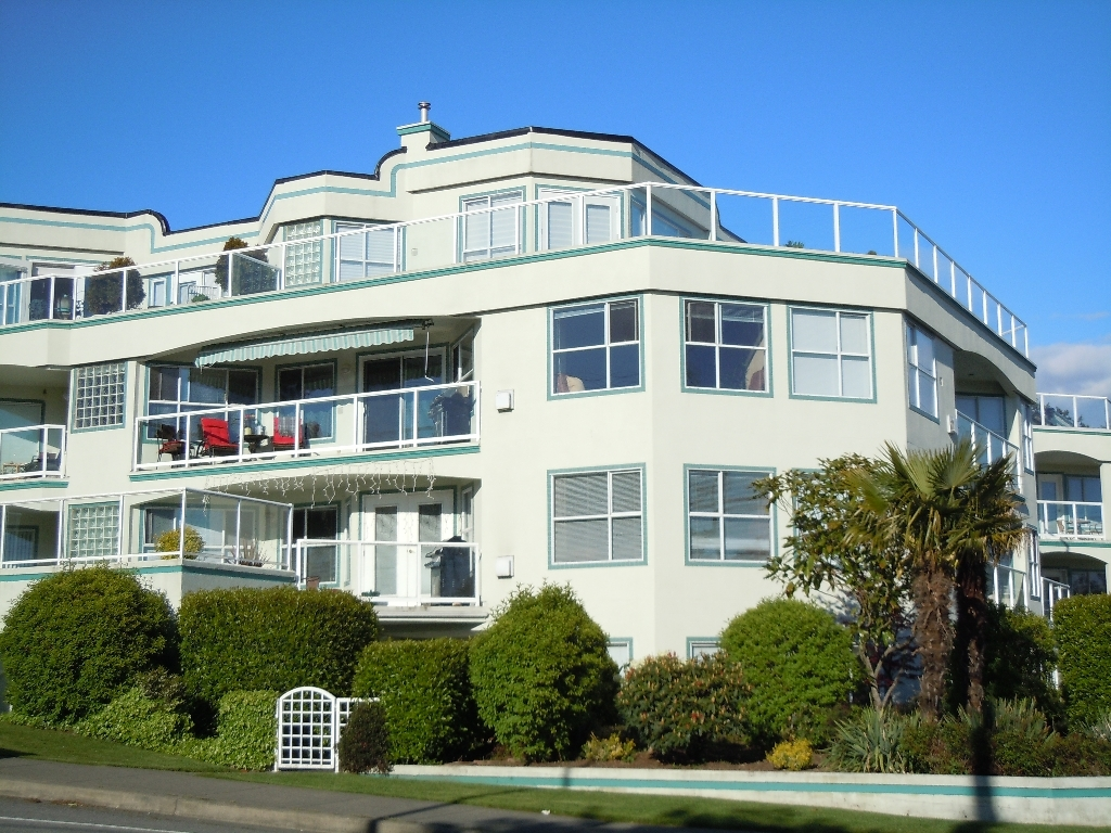 "Main Photo: 304 15367 BUENA VISTA Avenue: White Rock Condo for sale in ""THE PALMS"" (South Surrey White Rock)  : MLS® # F1017540"