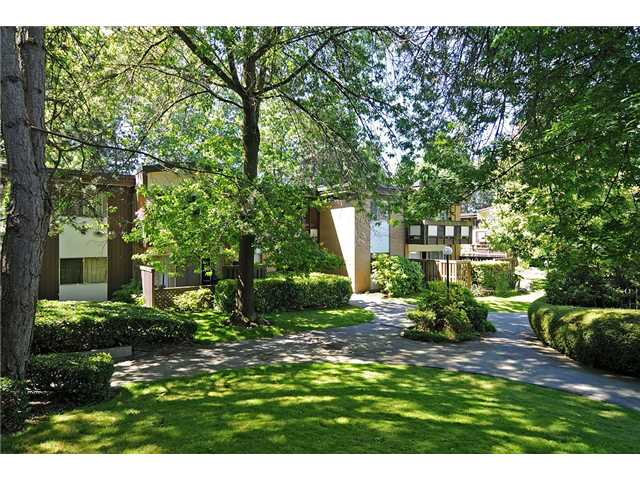 "Main Photo: 8 5515 OAK Street in Vancouver: Shaughnessy Condo for sale in ""Shawnoaks"" (Vancouver West)  : MLS(r) # V860014"