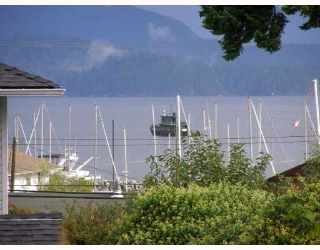 "Main Photo: 28 696 TRUEMAN Road in Gibsons: Gibsons & Area Townhouse for sale in ""MARINA PLACE"" (Sunshine Coast)  : MLS®# V737202"