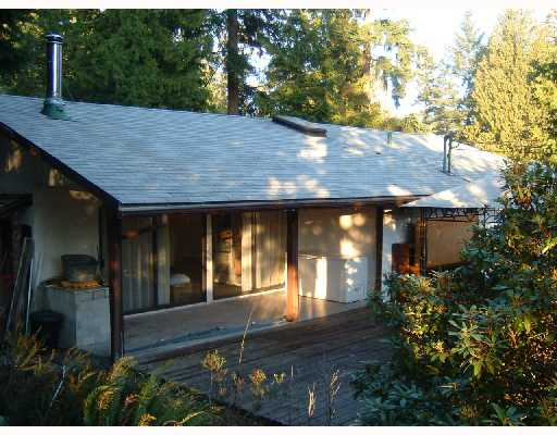 Main Photo: 8116 ALDERWOOD Road in Halfmoon_Bay: Halfmn Bay Secret Cv Redroofs House for sale (Sunshine Coast)  : MLS(r) # V745885