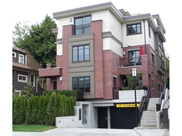 "Main Photo: 488 E 5TH Avenue in Vancouver: Mount Pleasant VE Townhouse for sale in ""468 FIFTH AVENUE"" (Vancouver East)  : MLS®# V854947"