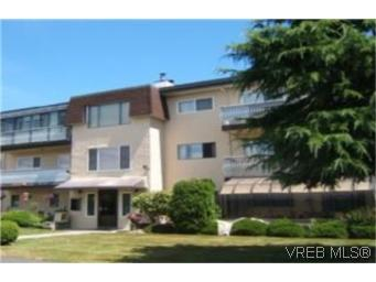 Main Photo: 102 2286 Henry Avenue in SIDNEY: Si Sidney North-East Condo Apartment for sale (Sidney)  : MLS(r) # 249763