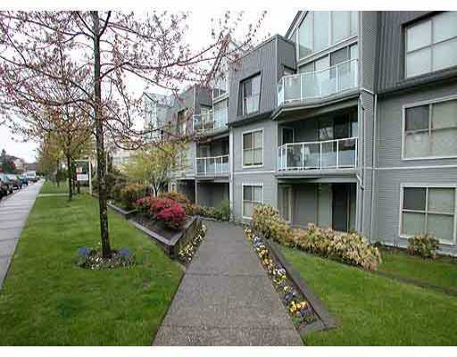 "Photo 1: 106 68 RICHMOND Street in New_Westminster: Fraserview NW Condo for sale in ""GATEHOUSE PLACE"" (New Westminster)  : MLS(r) # V759440"