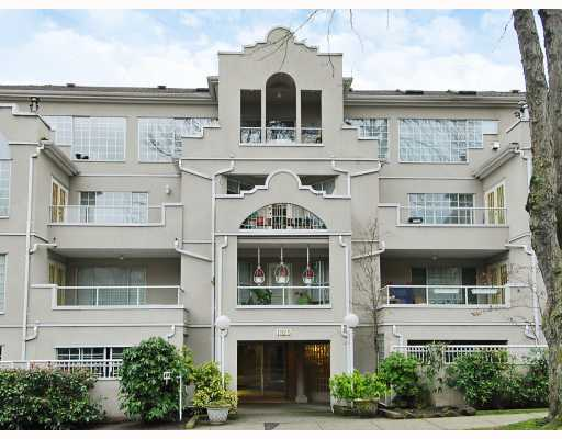 "Main Photo: 102 1525 PENDRELL Street in Vancouver: West End VW Condo for sale in ""CHARLOTTE GARDENS"" (Vancouver West)  : MLS® # V754405"