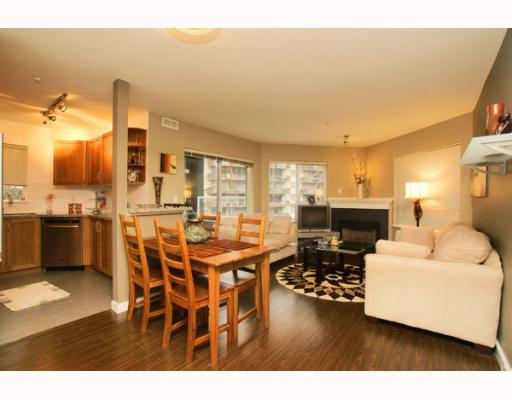 "Main Photo: 215 128 W 8TH Street in North_Vancouver: Central Lonsdale Condo for sale in ""THE LIBRARY"" (North Vancouver)  : MLS® # V779491"