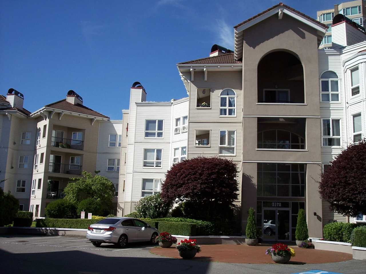 FEATURED LISTING: 415 - 3172 GLADWIN Road Abbotsford