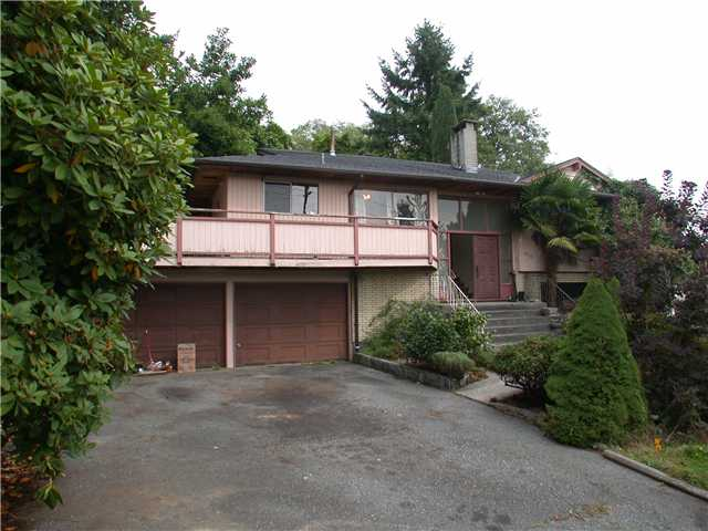 "Main Photo: 910 E 4TH Street in North Vancouver: Calverhall House for sale in ""CALVERHALL"" : MLS®# V850405"