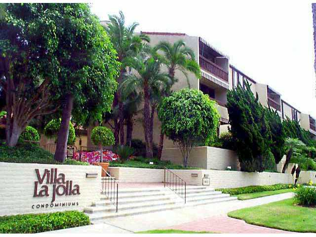 Main Photo: LA JOLLA Residential for sale : 2 bedrooms : 6455 LA JOLLA BLVD #213