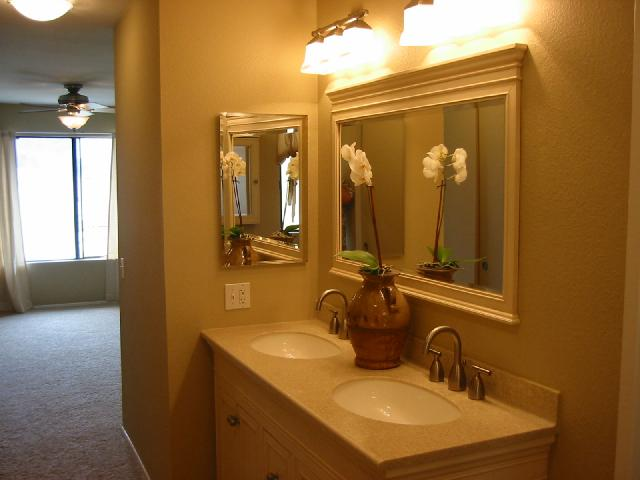 Photo 2: CLAIREMONT Twinhome for sale : 3 bedrooms : 4511 Caminito Pedernal in San Diego