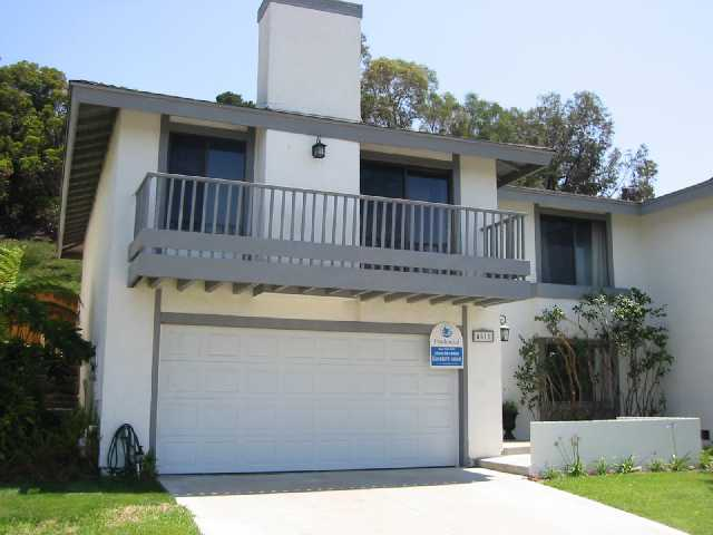Main Photo: CLAIREMONT Twinhome for sale : 3 bedrooms : 4511 Caminito Pedernal in San Diego