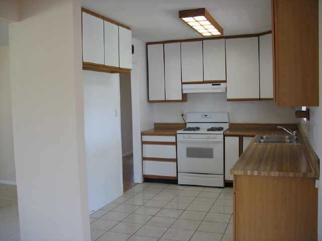 Photo 2: CLAIREMONT Residential for sale : 3 bedrooms : 5134 Uniontown Rd in San Diego