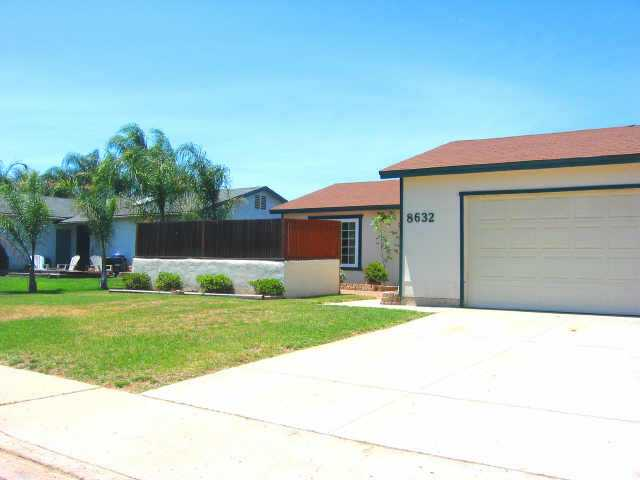 Main Photo: SANTEE Residential for sale : 3 bedrooms : 8632 Ian Way