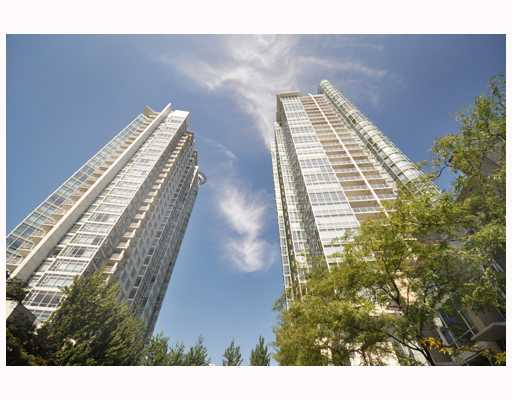 "Main Photo: 2503 193 AQUARIUS MEWS BB in Vancouver: False Creek North Condo for sale in ""AQUARIUS MEWS"" (Vancouver West)  : MLS(r) # V783601"