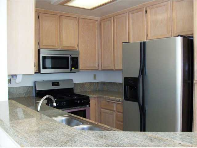 Photo 3: TIERRASANTA Condo for sale : 2 bedrooms : 11056 Portobelo in San Diego