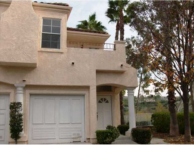 Photo 2: TIERRASANTA Condo for sale : 2 bedrooms : 11056 Portobelo in San Diego