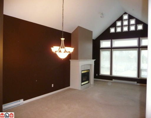"Photo 4: 405 15558 16A Avenue in Surrey: King George Corridor Condo for sale in ""THE SANDRINGHAM"" (South Surrey White Rock)  : MLS® # F1005469"