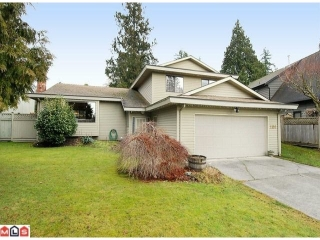 "Main Photo: 2110 127A Street in Surrey: Crescent Bch Ocean Pk. House for sale in ""OCEAN CLIFF ESTATES"" (South Surrey White Rock)  : MLS®# F1100516"