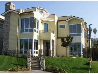 Main Photo: LA JOLLA Residential for sale : 5 bedrooms : 5531 Taft Ave