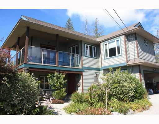 Photo 3: 6224 SUNSHINE COAST Highway in Sechelt: Sechelt District House for sale (Sunshine Coast)  : MLS® # V787565