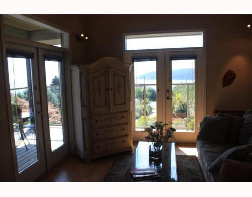 Photo 5: 6224 SUNSHINE COAST Highway in Sechelt: Sechelt District House for sale (Sunshine Coast)  : MLS® # V787565