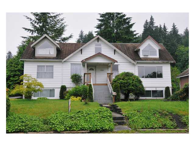 Main Photo: 2721 HENRY Street in Port Moody: Port Moody Centre House for sale : MLS® # V833785