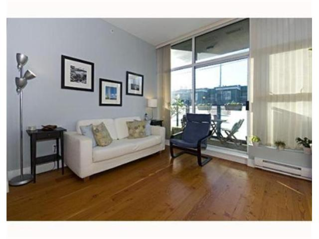 "Photo 2: 404 8988 HUDSON Street in Vancouver: Marpole Condo for sale in ""THE RETRO"" (Vancouver West)  : MLS(r) # V858846"