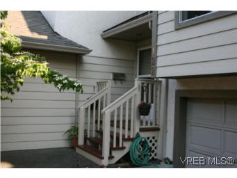 Main Photo: 122 710 Massie Drive in VICTORIA: La Langford Proper Townhouse for sale (Langford)  : MLS® # 263916