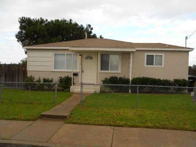 Main Photo: LINDA VISTA House for sale : 3 bedrooms : 2448 Ingersoll in San Diego