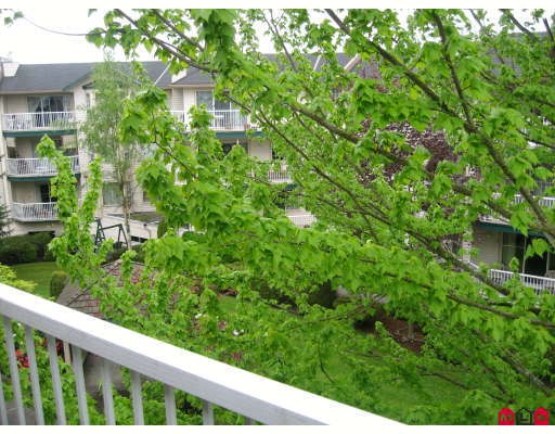 "Photo 9: 301 5363 206TH Street in Langley: Langley City Condo for sale in ""PARKWAY 2"" : MLS(r) # F2910004"