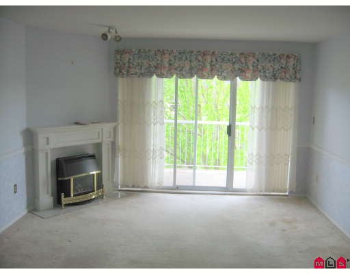 "Photo 3: 301 5363 206TH Street in Langley: Langley City Condo for sale in ""PARKWAY 2"" : MLS(r) # F2910004"