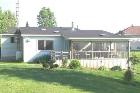 Main Photo: 69 Robinson Avenue in Kawartha L: House (Bungalow) for sale (X22: ARGYLE)  : MLS® # X1624339