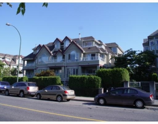 "Main Photo: 102 868 W 16TH Avenue in Vancouver: Cambie Condo for sale in ""WILLOW SPRINGS"" (Vancouver West)  : MLS® # V779325"