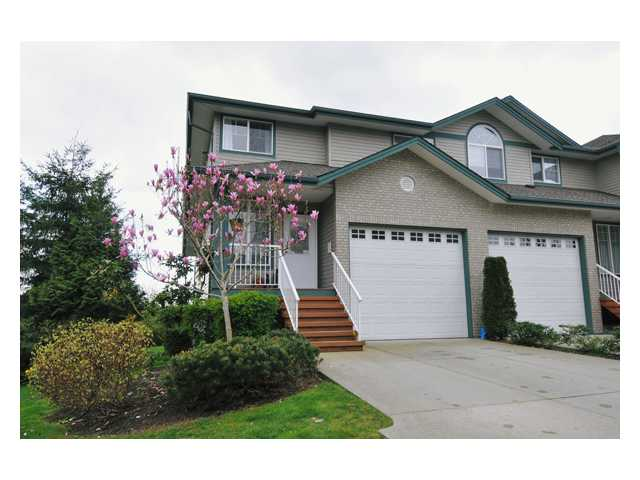 "Main Photo: 24 11358 COTTONWOOD Drive in Maple Ridge: Cottonwood MR Townhouse for sale in ""CARRIAGE LANE"" : MLS® # V820880"