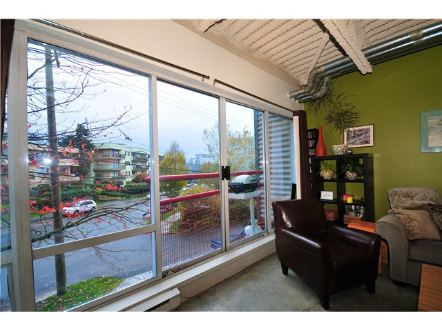 "Photo 8: 329 350 E 2ND Avenue in Vancouver: Mount Pleasant VE Condo  in ""MAIN SPACE"" (Vancouver East)  : MLS(r) # V861980"
