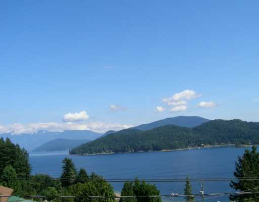 "Main Photo: 496 CENTRAL Avenue in Gibsons: Gibsons & Area House for sale in ""GRANTHAMS LANDING"" (Sunshine Coast)  : MLS® # V622835"