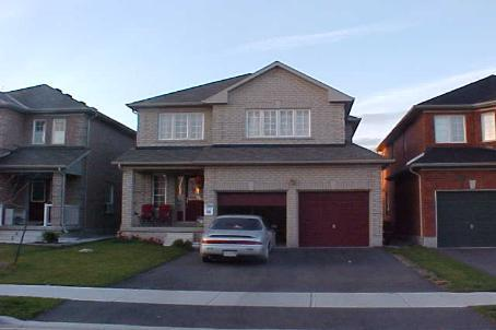 Main Photo: 10 Roadmaster Lane in Brampton: House (2-Storey) for lease (W23: BRAMPTON)  : MLS®# W1685983